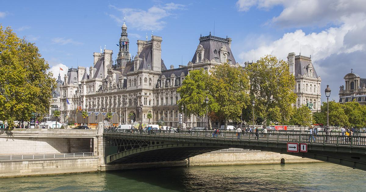 (c) Paris.fr